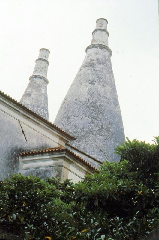 1987 Portugal - Cheminées du palais de Sintra