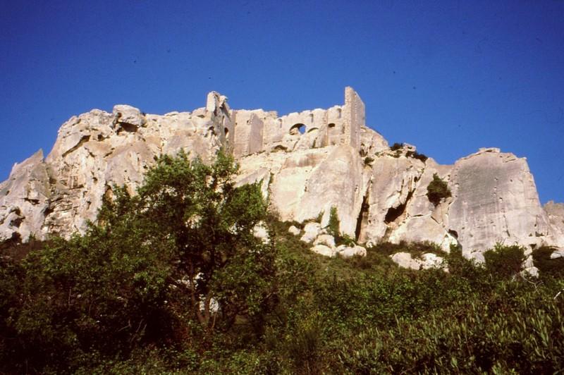 1989 06- Les Baux le château