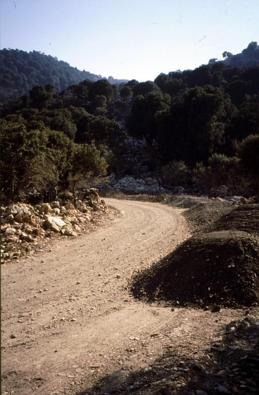 06-Crète piste d'accès Katharo