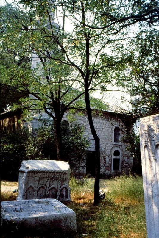 00 Mostar-mosquée et tombes bogomiles (stecci)