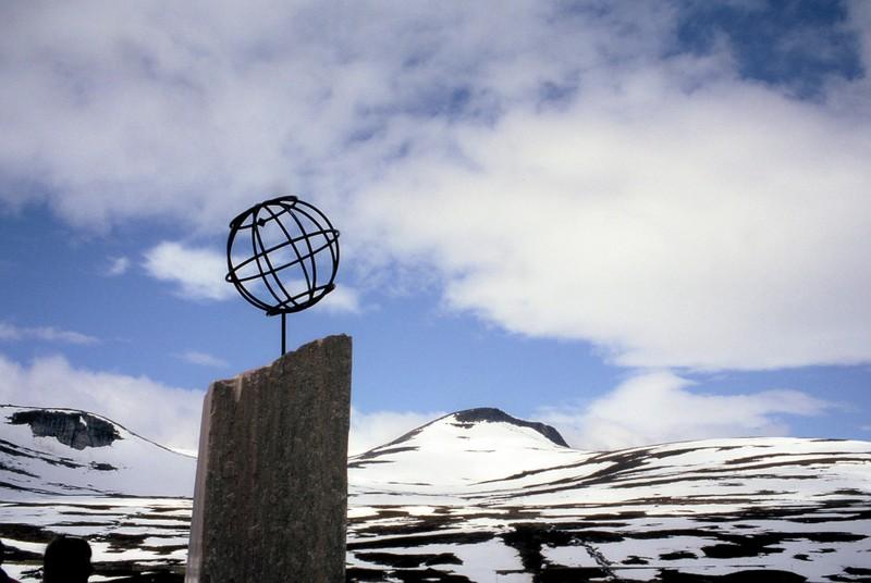 002- AU CERCLE POLAIRE sphère ajourée