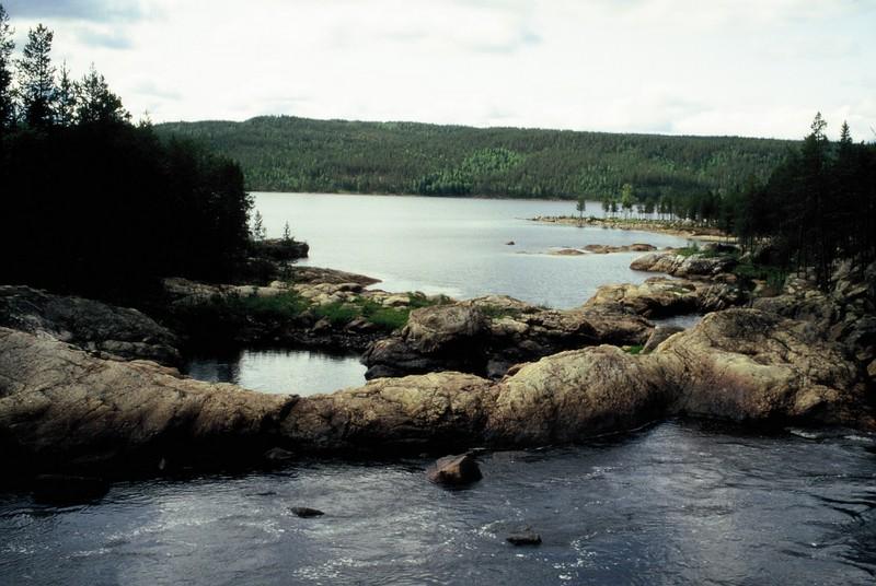 005- Vue en aval du pont sur la Luleälven