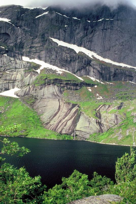 006- LOF Montagne noire de Nusfjord