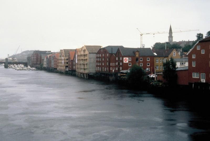 022- Trondheim vue du célèbre pont