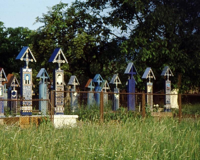 1993 08 Sapinta- cimetière