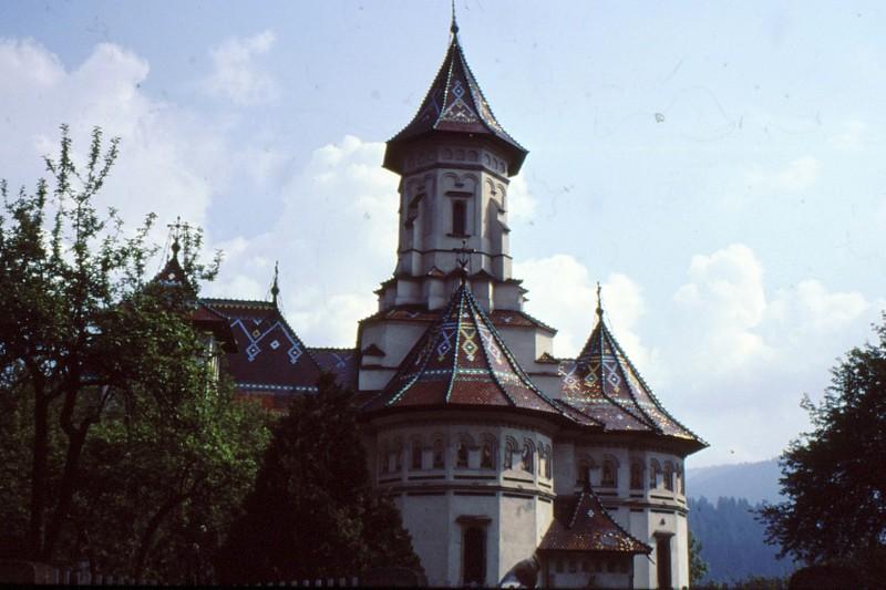 1993 22 Cimpulung église