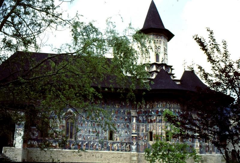 1993 27 Sucevita - monastère