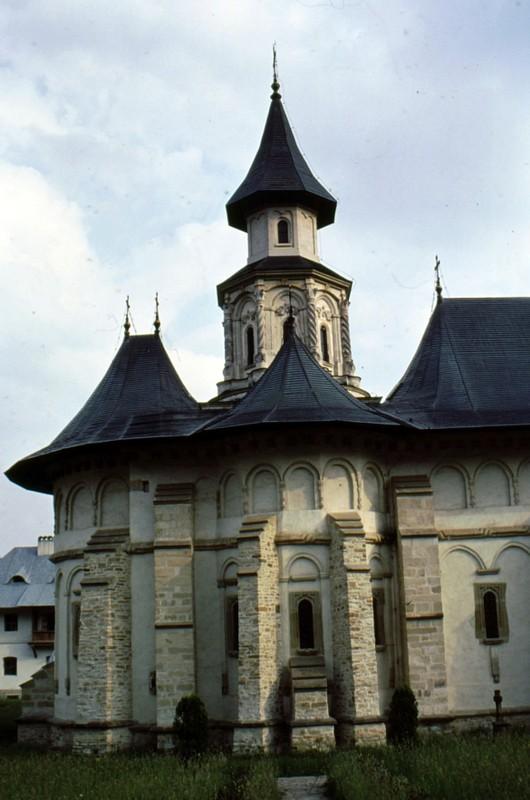 1993 32 monastère de Putna