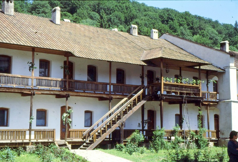 1993 52 Monastère Sucu 2