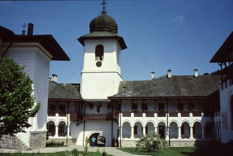 1993 59 Monastère Agapia