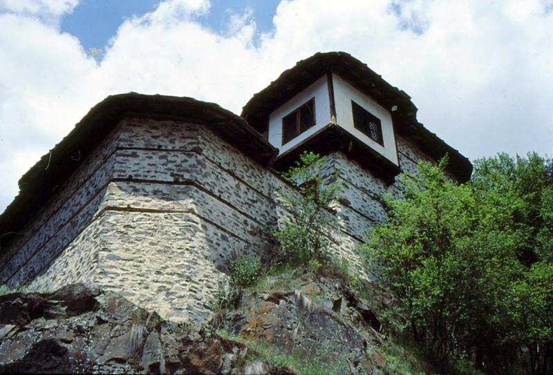 10-siroka-laka-maison-perchee