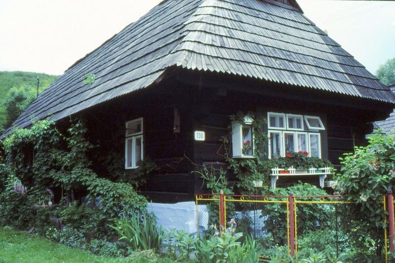 De Orav à Podviel : maison typique