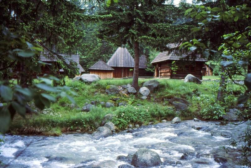 Musée ethnographique de Zuberec : au bord de l'eau