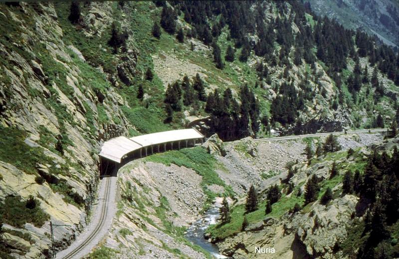 Voie du train à crémaillère de Nuria