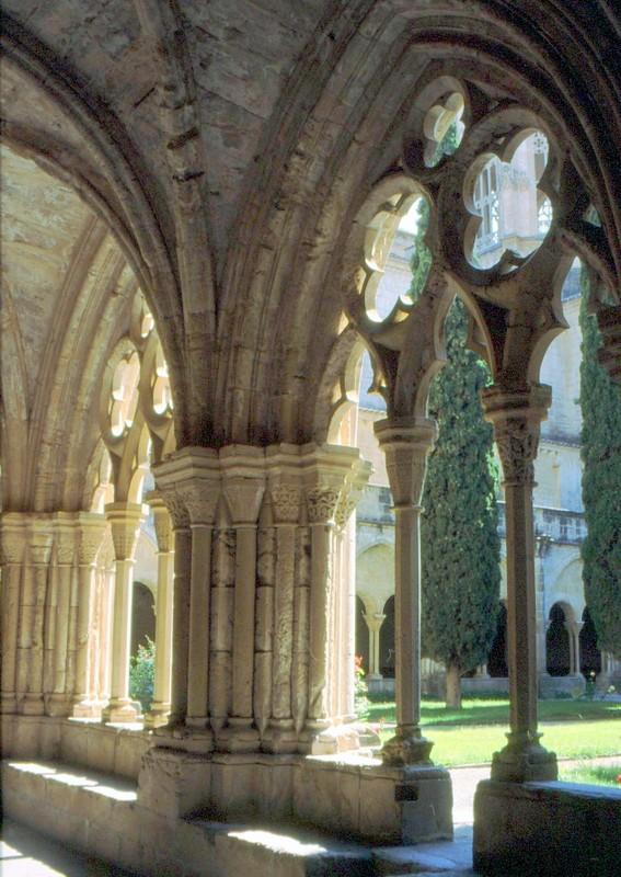 Cloître du monastère de Poblet