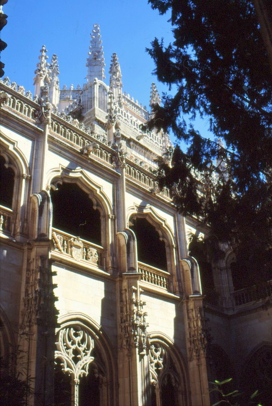 Cloître supérieur de la cathédrale de Tolède
