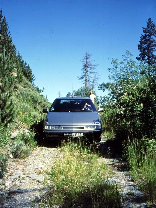 La voiture en direction de la borne 504