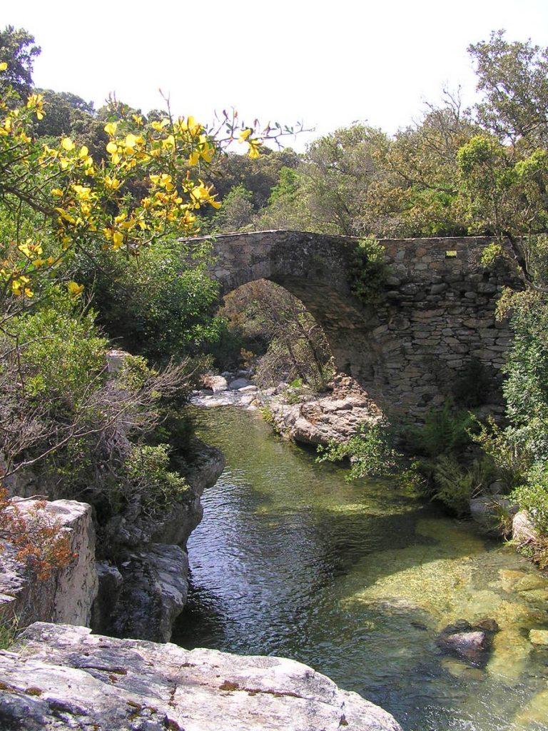 Pont-génois-à-Marina-Giottani-W-cap-Corse